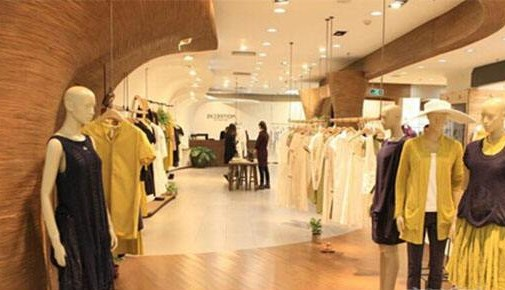 女装店新手开店如何选择店铺的位置?三点技巧助你选址
